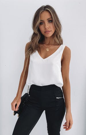 https://files.beginningboutique.com.au/white+top.mp4