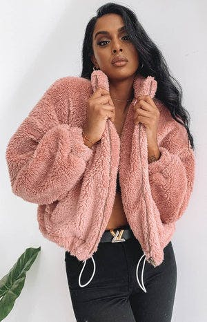 https://files.beginningboutique.com.au/Echoes+Super+Soft+Jacket+Blush.mp4