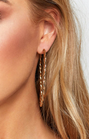 Eclat Kiya Twisted Hoop Earrings Gold