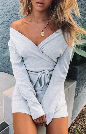 https://files.beginningboutique.com.au/Kehlani+Wrap+Dress+Grey.mp4