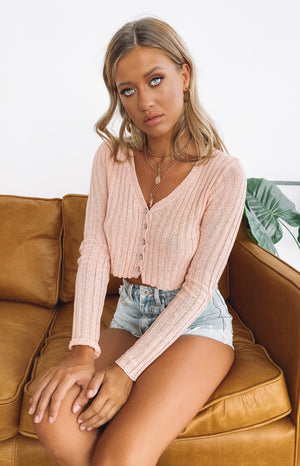 https://files.beginningboutique.com.au/LIONESS+REALIZATION+CARDI+TOP+BLUSH+.mp4