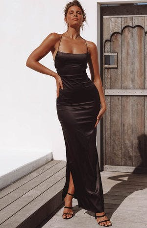 https://files.beginningboutique.com.au/Manhattan+Formal+Slip+Dress+Black.mp4