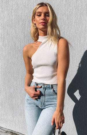 https://files.beginningboutique.com.au/reign+top+white.mp4