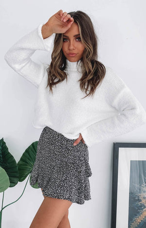 https://files.beginningboutique.com.au/Snowi+Fuzzy+Winter+Knitter+Sweater+White+.mp4