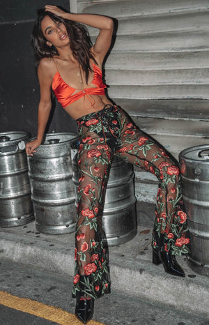 https://files.beginningboutique.com.au/Stone+Cold+Flares+Rose+Mesh.mp4