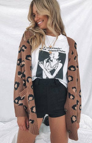 https://files.beginningboutique.com.au/Trafalgar+Cardigan+Brown+Leopard.mp4