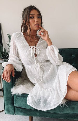 https://files.beginningboutique.com.au/Marcy+Dress+White.mp4