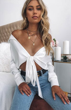 https://files.beginningboutique.com.au/Tuscan+Sun+Blouse+White.mp4